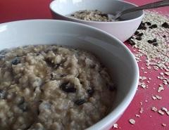 Slow Cooker Raisin and Cinnamon Porridge